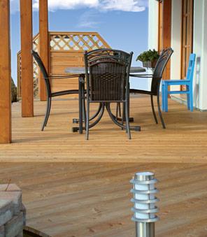 Terrasses en bois avec brise-vue.
